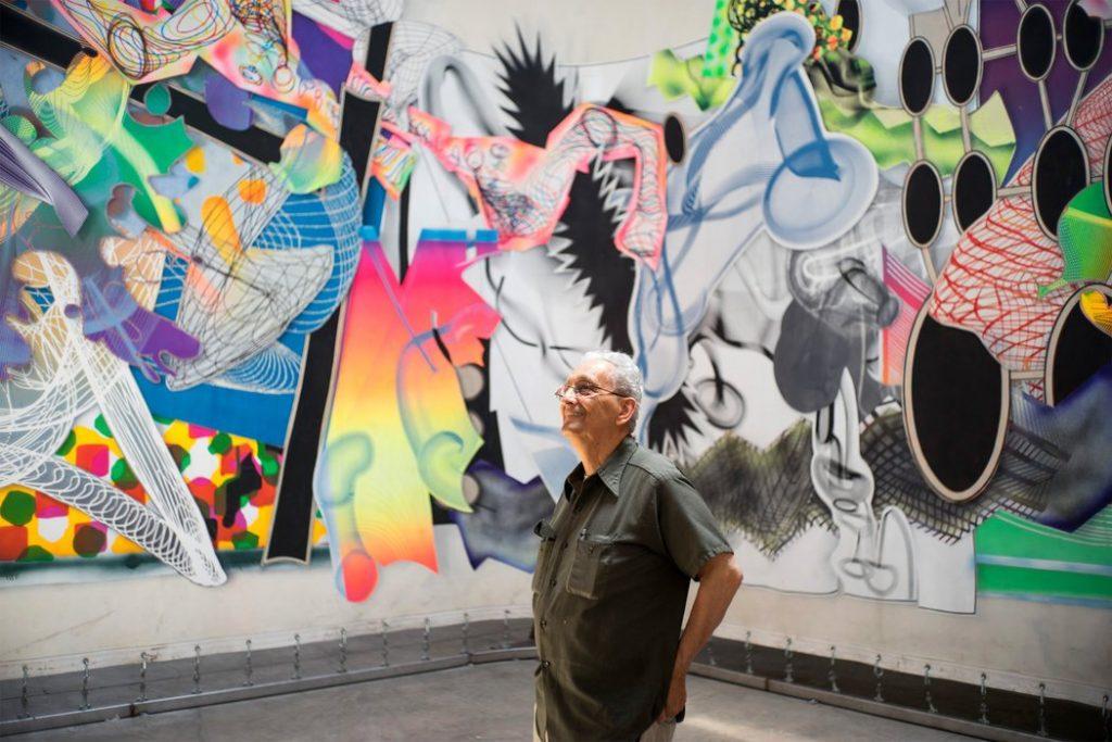 Frank Stella Looking at his Art
