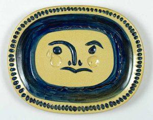 Pablo Picasso Ceramic, Visage gravé, fond grège (Engraved Face, Grege Ground), 1947