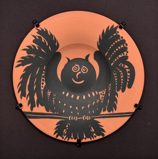 Pablo Picasso Ceramic, Hibou aux ailes déployées (Owl with spread wings), 1957 A.R. 397
