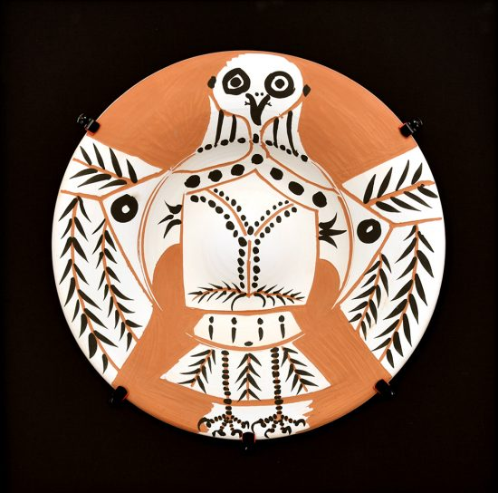 Pablo Picasso Ceramic, Hibou blanc sur fond rouge (White Owl on Red Ground), 1957 A.R. 395