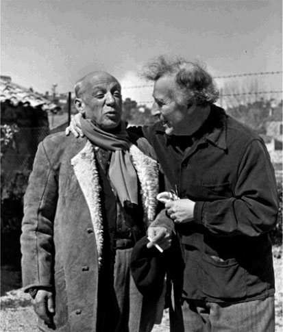 Pablo Picasso and Marc Chagall talking